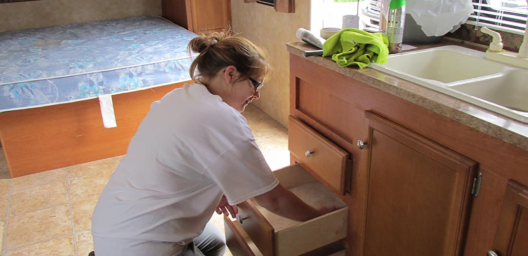 cleaning trailer drawers