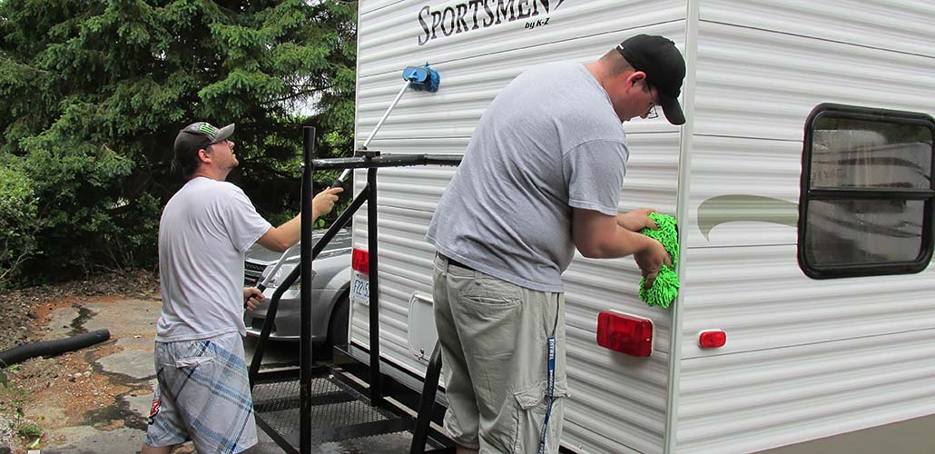 detailing a camping trailer